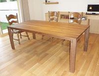 TEAM7のダイニングテーブルとカウチテーブル