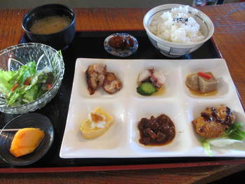 素材キッチン菊兆の六菜ランチ⭐️ランチパスポート