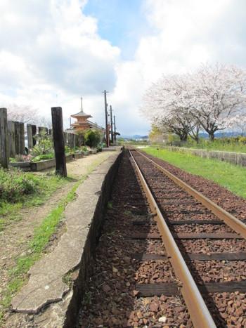 北条鉄道ローカル線の木造駅舎