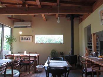 隠れ家みたいな静かなカフェ~ねこの時計
