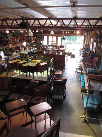 北欧ヴィンテージ家具のカフェ