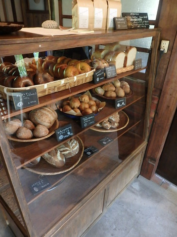 山の中~天然酵母のパン屋さんKARUNA(カルナ)