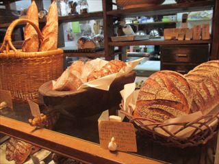 自家製酵母のパン屋さん☆内田製パン☆