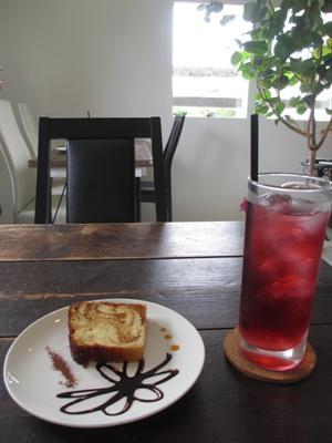究極のシナモンロール☆café PIPINEO(カフェ ピピネオ)☆