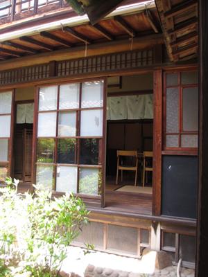 明治時代に建てられた旧家☆菓子と珈琲 朔(さく)☆