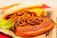 長崎「イートジョイ」 長崎角煮バーガー 550円