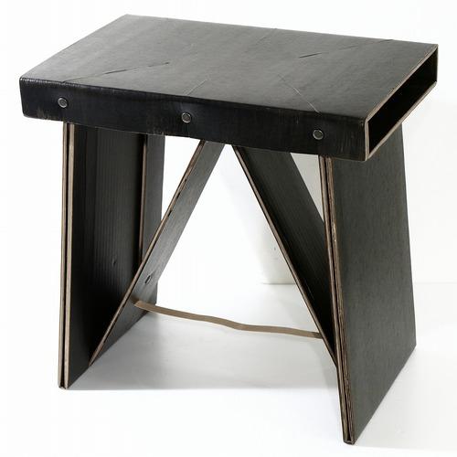 【ダンボール家具】コンパクトなダンボールイス♪【折りたたみ】