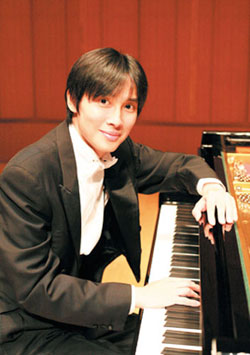 近藤嘉宏plays 三大ピアノソナタ