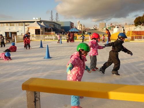 ひらパーでアイススケート