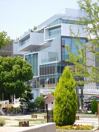 枚方市の駅前