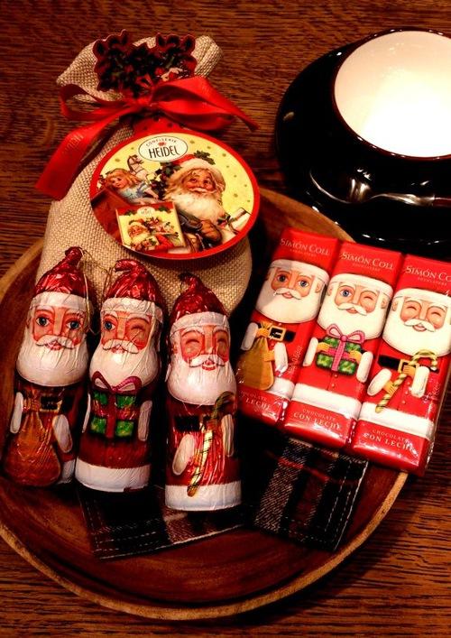 ★サンタチョコなどお菓子も入荷しました★