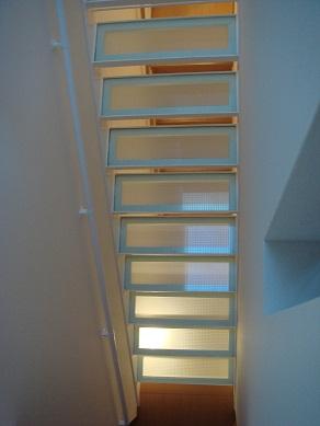 ガラスの階段