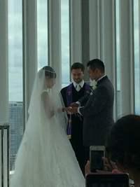 選手とマネージャーの結婚式へ