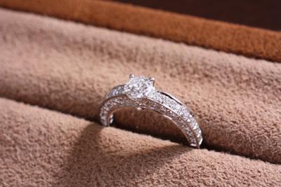 離婚に伴う、婚約指輪のリフォーム