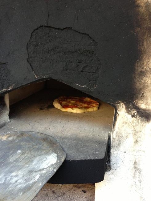 彩都くらしの杜の石窯でピザ!