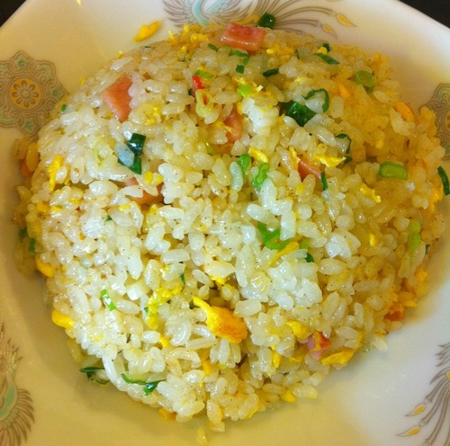 龍(ロン)の担々麺