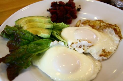 朝ごはん定食は納豆、そしてカレー