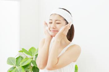 毛穴や角栓の悩み、酵素洗顔ですっきり!?