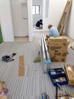 事務所にタイルカーペット