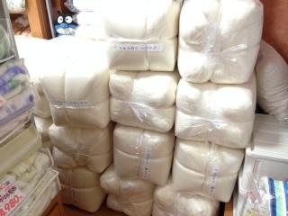 綿の掛けふとんも人気です