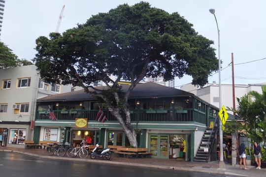 ワイキキ 「エッグスンシングス サラトガ本店」 ハワイ珍道中 その3 アヒステーキとパンケーキ!