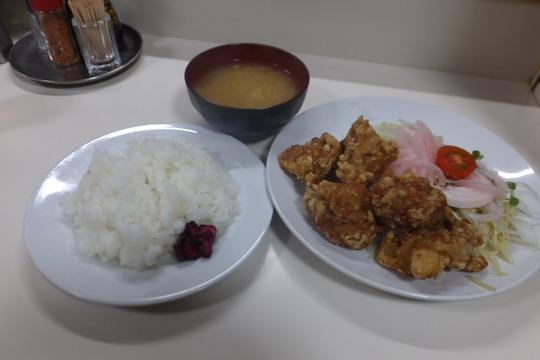 四ツ橋・北堀江 「ニューほり江」 カリッと揚がった唐揚げ定食!