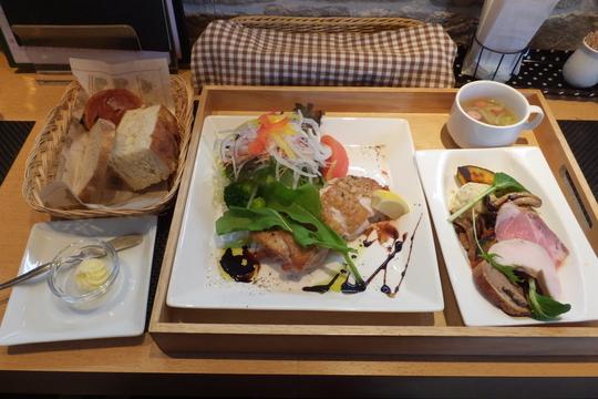 東淀川・だいどう豊里 「エフカフェ(f-cafe)」 ランチプレートがお値打過ぎる住宅街のカフェ!