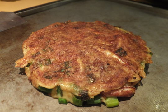 なんば 「福太郎 別館」 出汁が効いた色々なお好み焼きの食べ比べです!