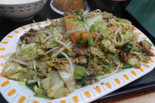 本町・博労町 「とん平」 無性に食べたくなる肉入り野菜炒め定食!