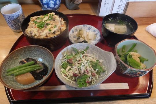 吹田・江坂 「ゆう桐」 出汁が効いたおから丼!