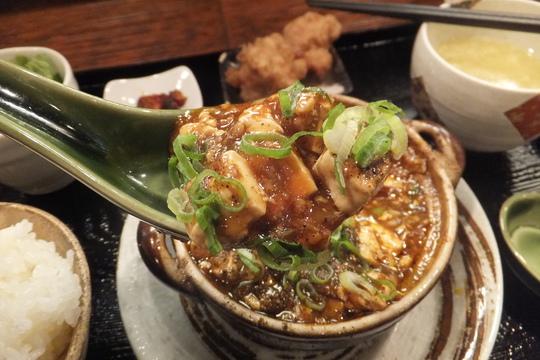 豊中・緑地公園 「華や」 コクが効いたレベルが高い上質の麻婆豆腐!