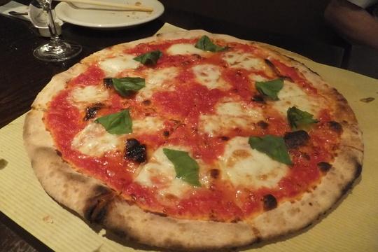 豊中・少路 「ロッソ」 人気のイタリアンは薪窯で焼くピッツァが旨い!