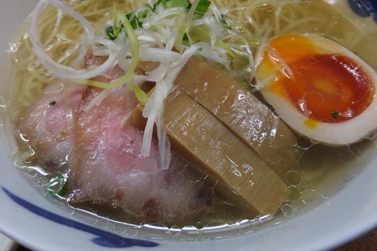 京都・河原町 「猪一(イノイチ)」 支那そば(白)はスープに旨味が詰まってます!
