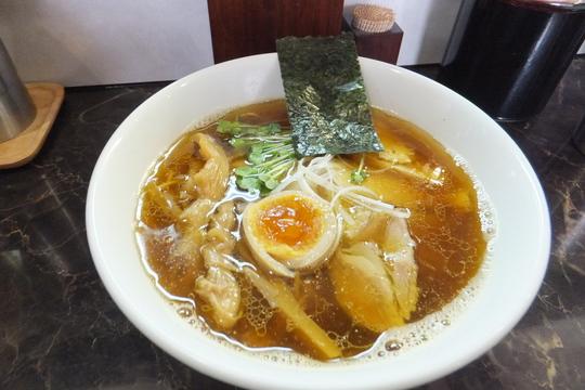 吹田・内本町  「えびす丸」 Wスープが旨い鶏清湯の醤油ラーメン!