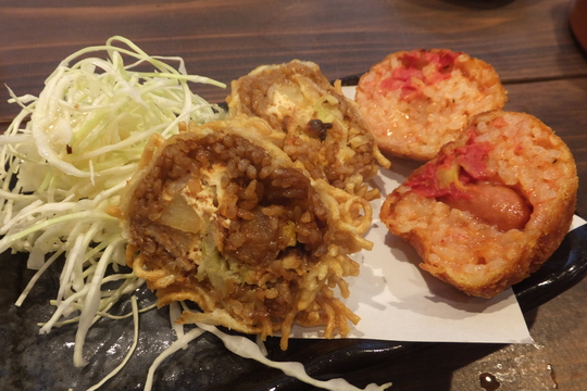 中崎町 「大阪かすラーメン 万大(ばんだい)」 旨味たっぷりのかすラーメンと創作コロッケのお店!