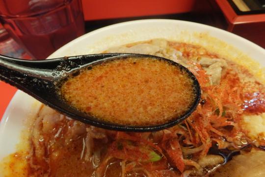 日本橋・恵美須町 「ひるドラ」 ピリ辛ながらスープの旨味が詰まっている辛口ガチ味噌肉ソバ!