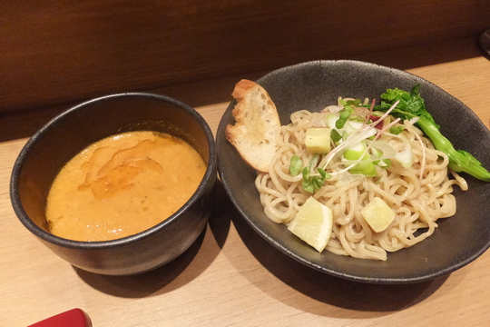 谷町四丁目 「海老鶏麺蔵」 濃厚海老出汁がガツンと効いてます!