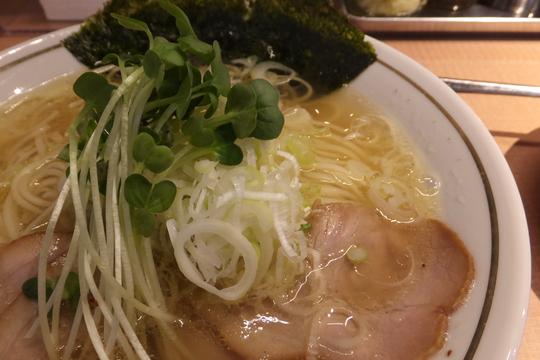 吹田・江坂 「マルショウ」 塩中華そばは旨味が詰まった一杯!