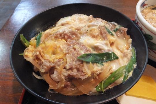 吹田・江坂 「兵六そば」 お得な日替わりセットで半熟玉子のトロトロの他人丼!