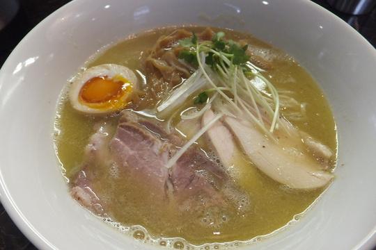 吹田・内本町  「えびす丸」 魚介鶏白湯がまったり旨い!