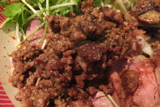 豊中・蛍池 「麺屋 ほぃ」 肉がモリモリのほぃの肉盛りまぜそば!