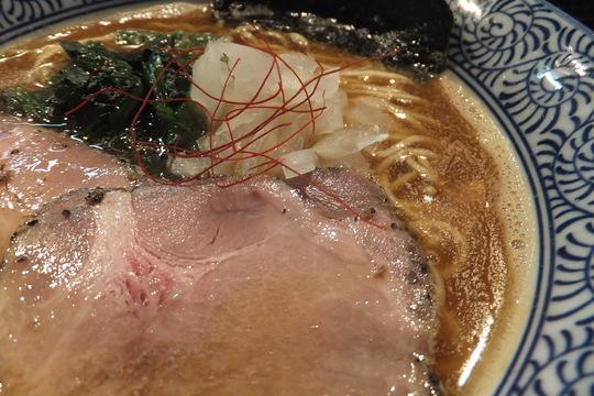 大東・鴻池新田 「而今(じこん)」 関西らぁ祭3 煮干が効いた鰯に乗ったトリトン!