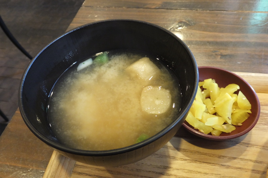 日本橋 「ポミエ」 豚肉と茄子の生姜炒めがコクがあって旨い!