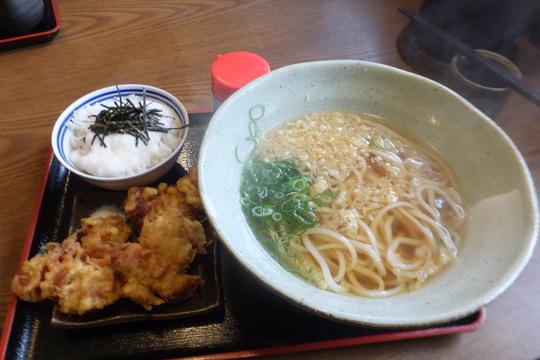 池田・石橋 「うどん処 きち」 出汁の効いたカレーうどんに親子丼!