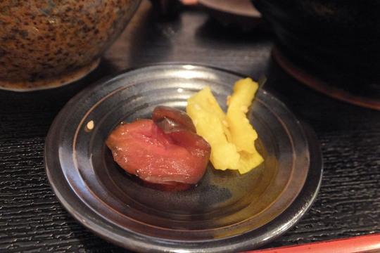 豊中・蛍池 「肉うどんの丸十」 肉汁がしみた肉うどんと鶏が旨い親子丼!