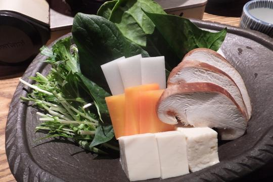 吹田・江坂 「くら 江坂豚舎」 出汁で食べる豚しゃぶがリーズナブルに頂けます!