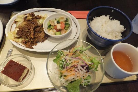 吹田・江坂 「ヴァン・ド・キッチン」 ピザが食べ放題になる日替わりパスタランチ!