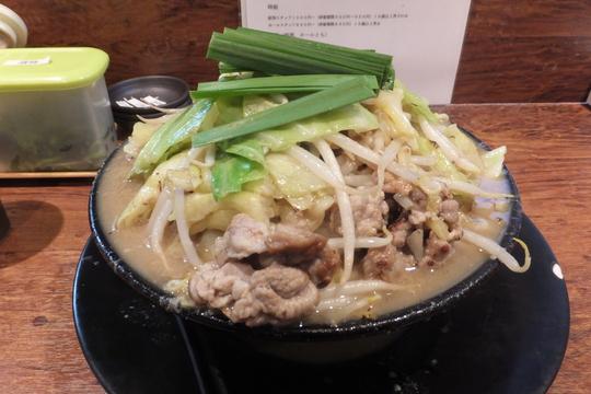 東淀川・上新庄 「天神旗」 コク深い旨味がタップリの博多ちゃんぽん!