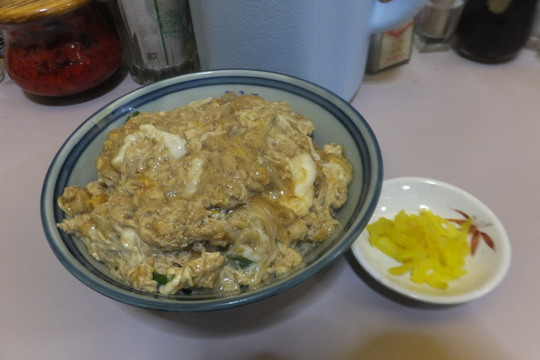 なんば・アメリカ村 「ニューライト」 老舗の洋食屋でトロトロ玉子のカツ丼!