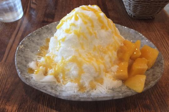 京都・梅小路公園 「BOSSCHE(ボッシュ)」 雪花氷のミルクベースにマンゴートッピング!